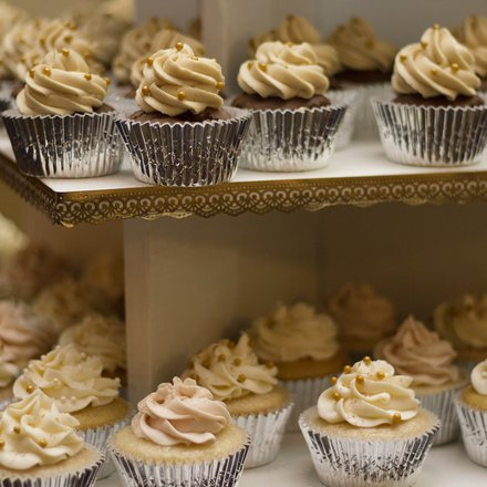 cakes 1245725 1920