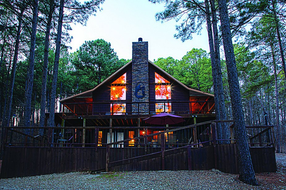 Coyote Ridge cabin is one of nearly fifty luxury cabins managed by Beavers Bend Adventures.  Photo by Lori Duckworth